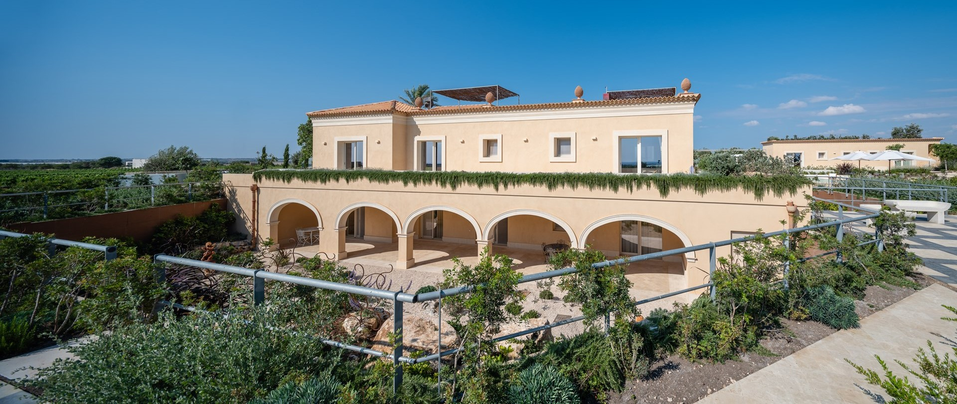 luxury-large-family-villa-sicily