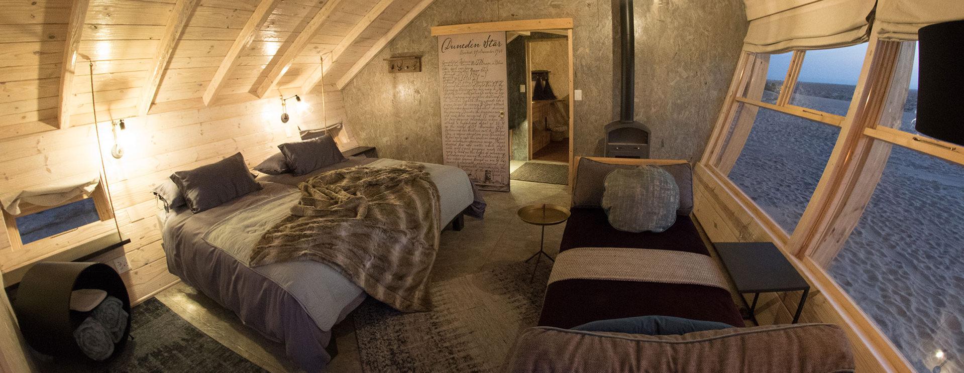 shipwreck-lodge-bedroom-interior