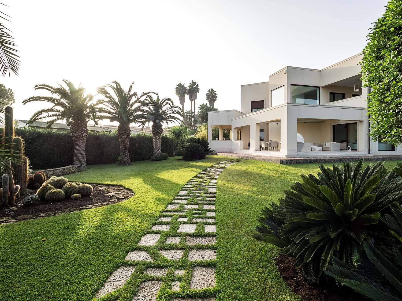 family-4-bedroom-villa-sicily