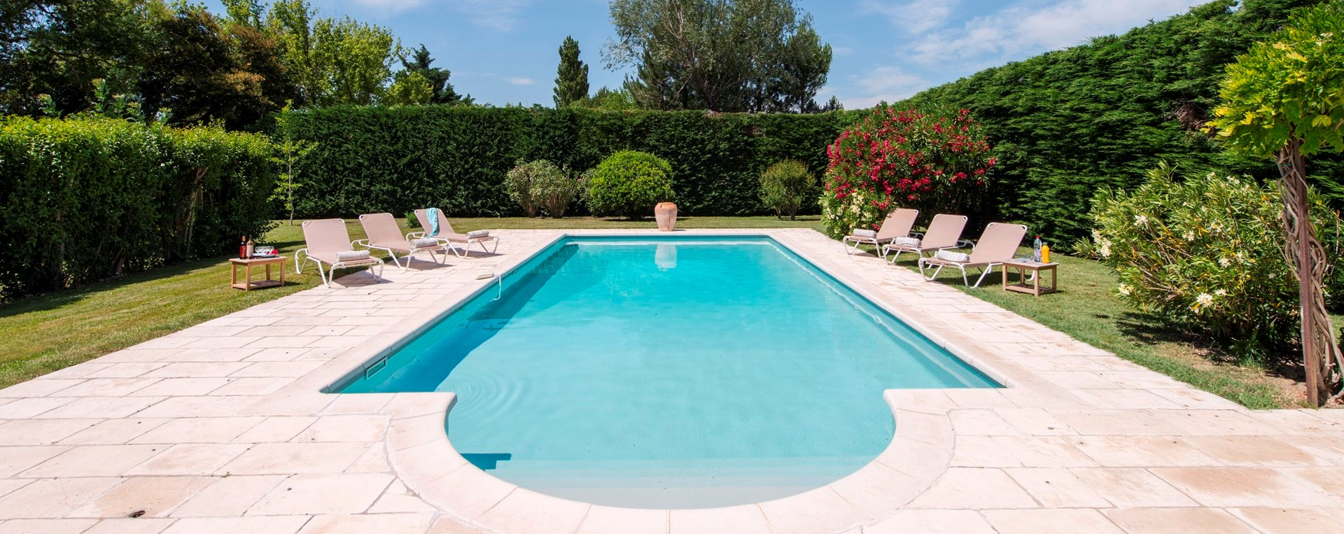 villa-isabelle-provence-pool