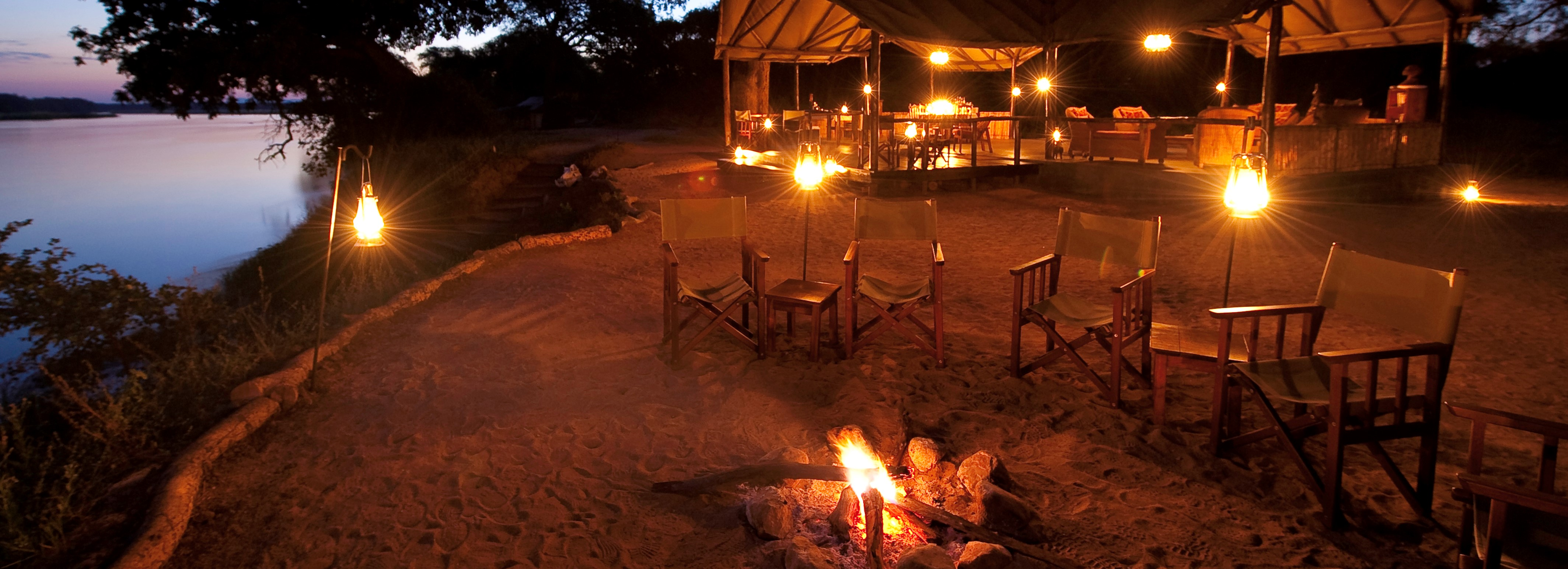 old-mondoro-safari-camp-fireside-seating