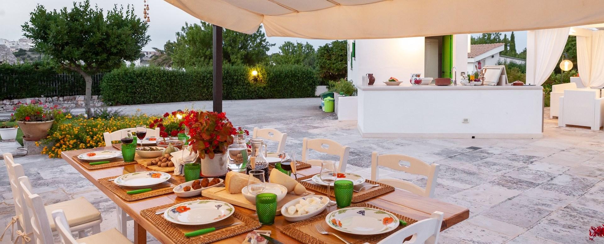 trulli-die-pini-al-fresco-dining