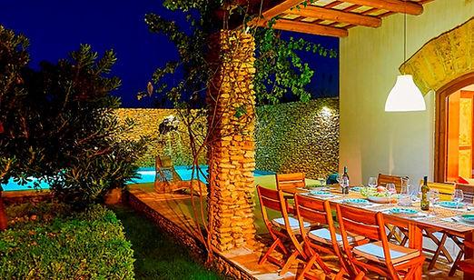 luxury-4-bedroom-family-villa-sicily.jpg