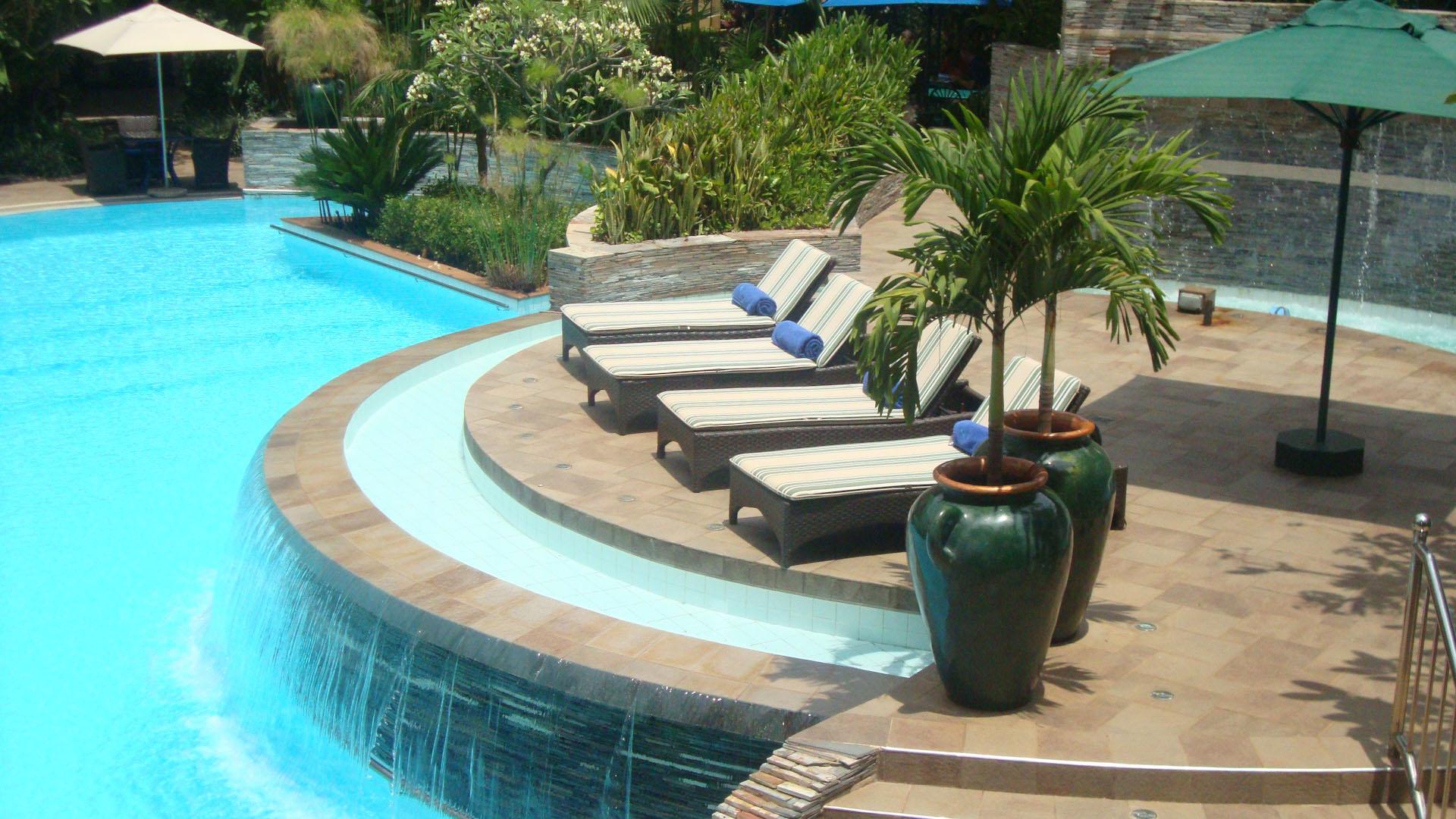 kigali-serena-rwanda-pool-view