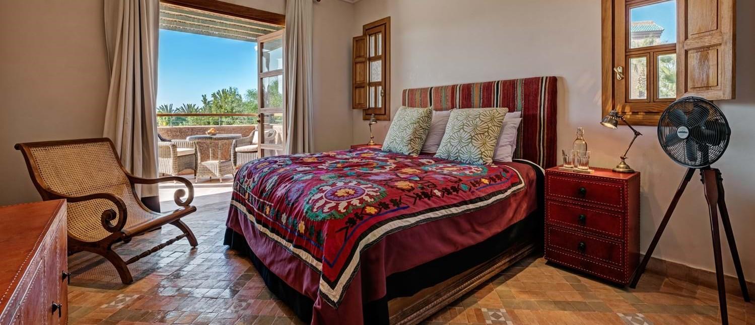 villa-cobalt-blue-bedroom-suite