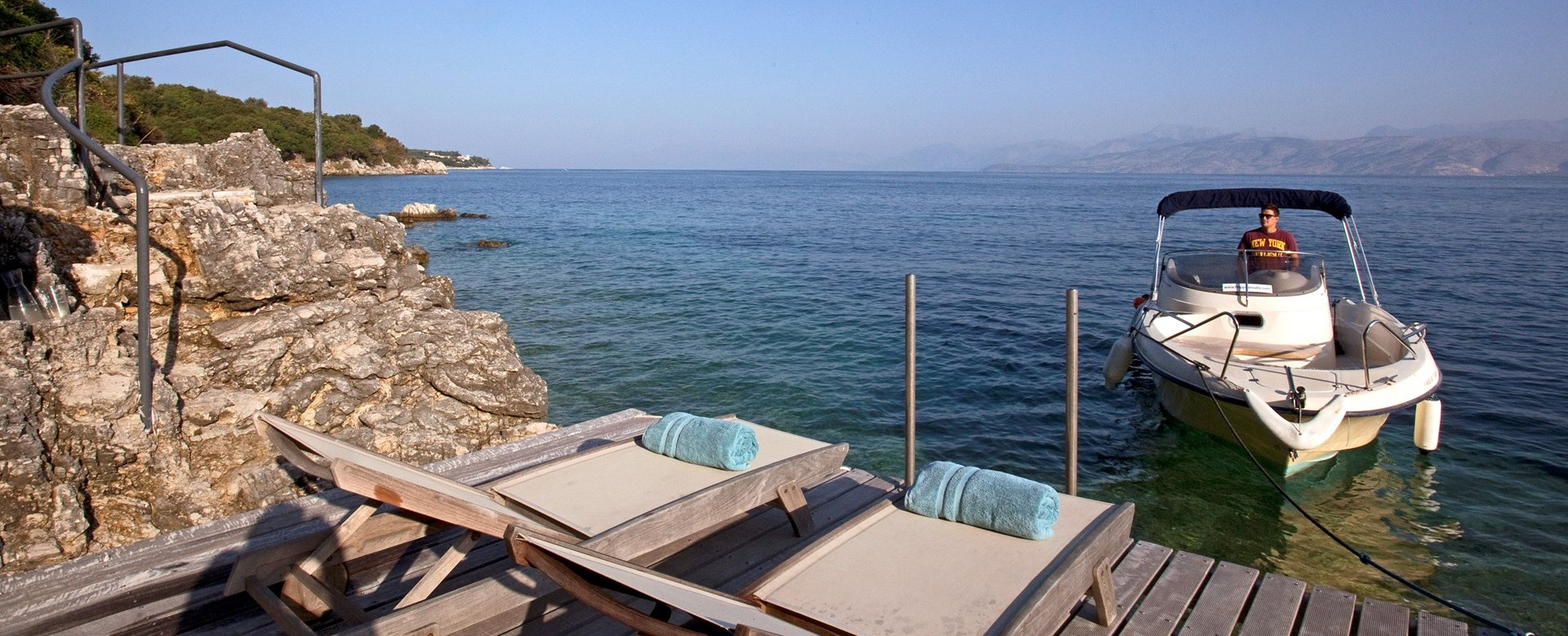 villa-amarea-private-boat-jetty
