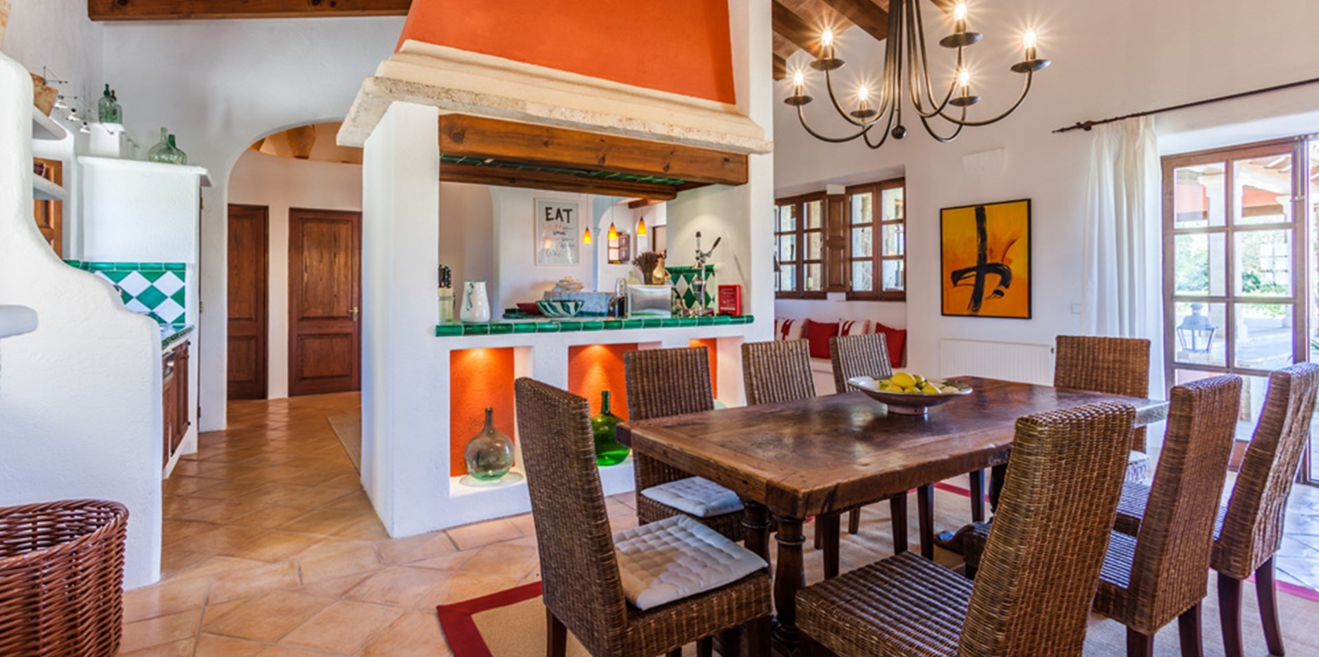 can-tierra-indoor-dining-room