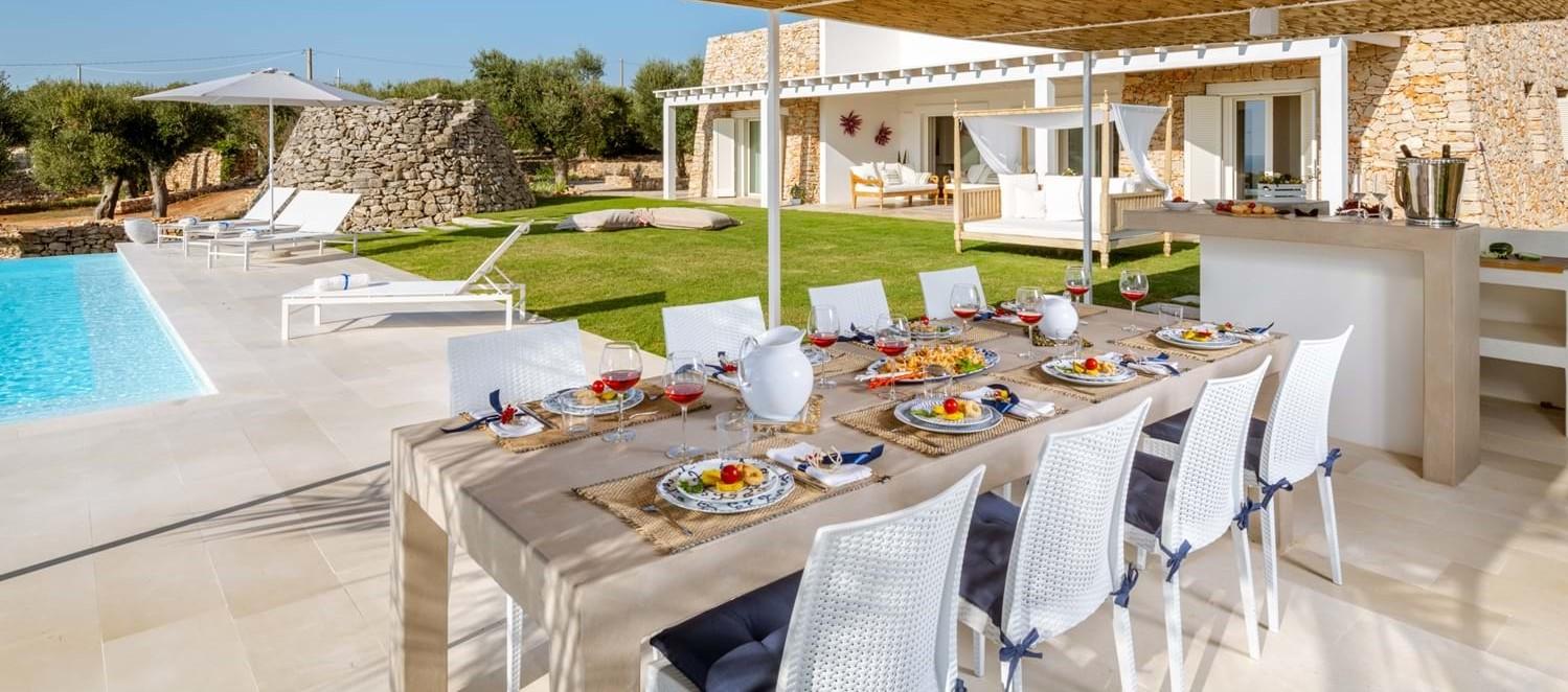 villa-la-pupazza-outdoor-dining