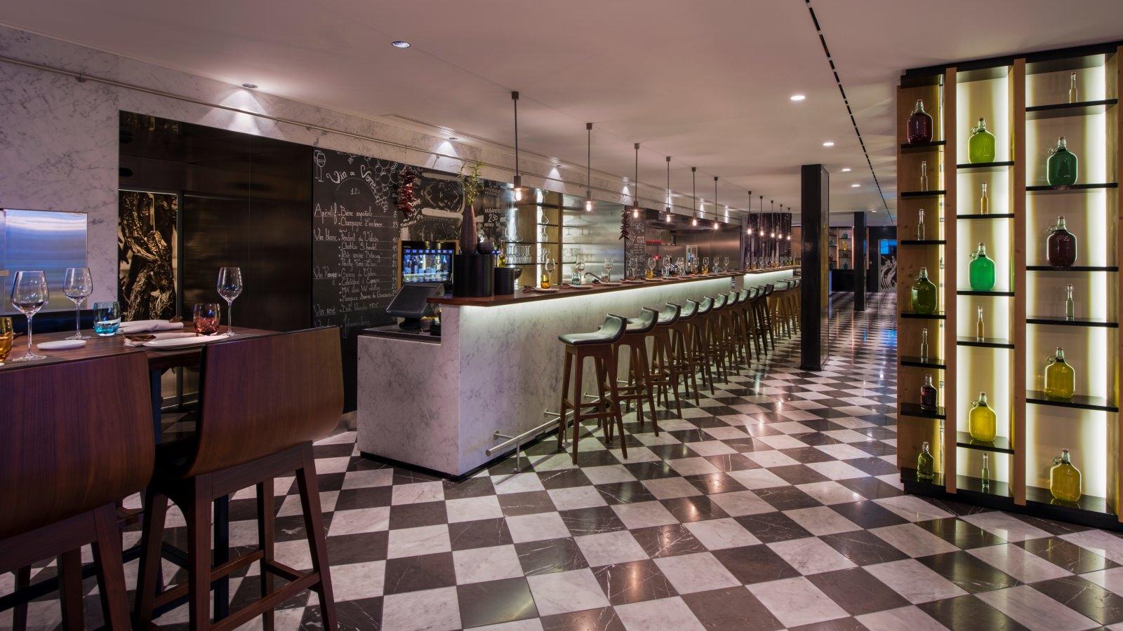W-Verbier-Hotel-Tapas-Bar