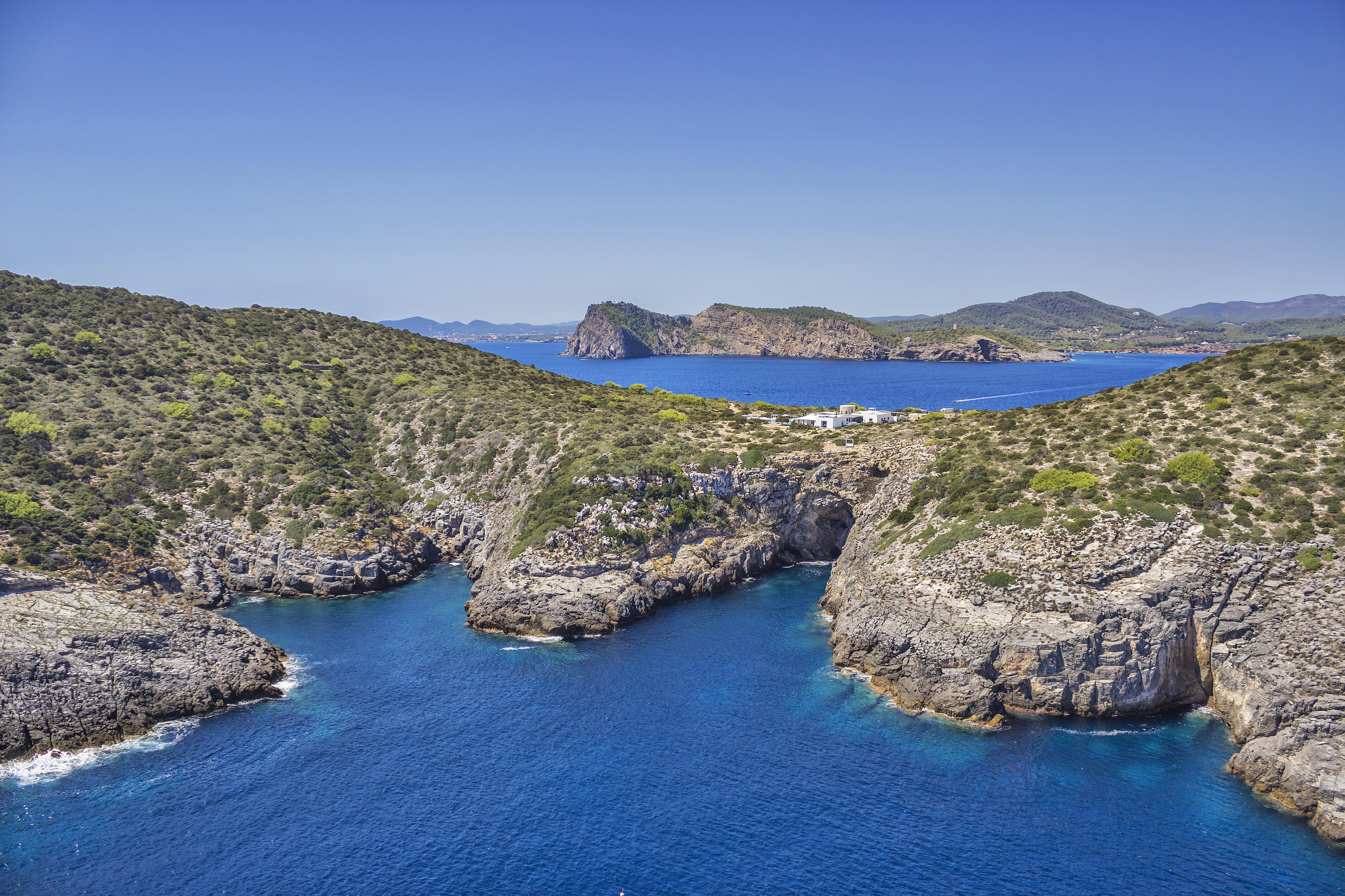 tagomago-luxury-villa-private-island