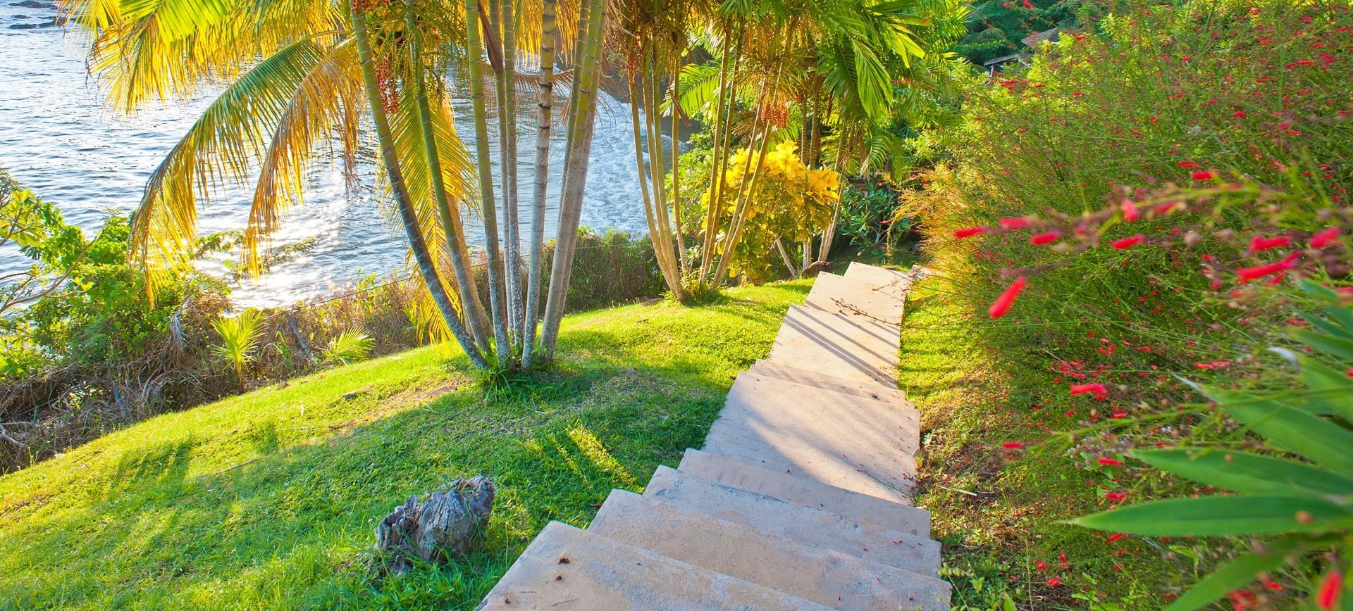 villa-ohana-tobago-steps-down-to-beach