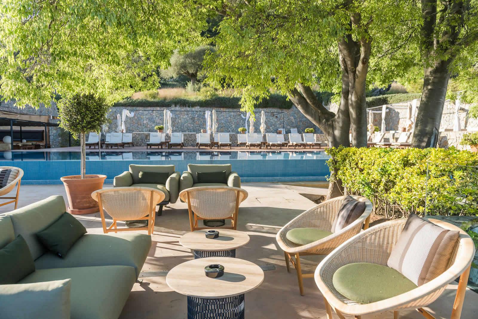 Hotel-Son-Brull-terrace