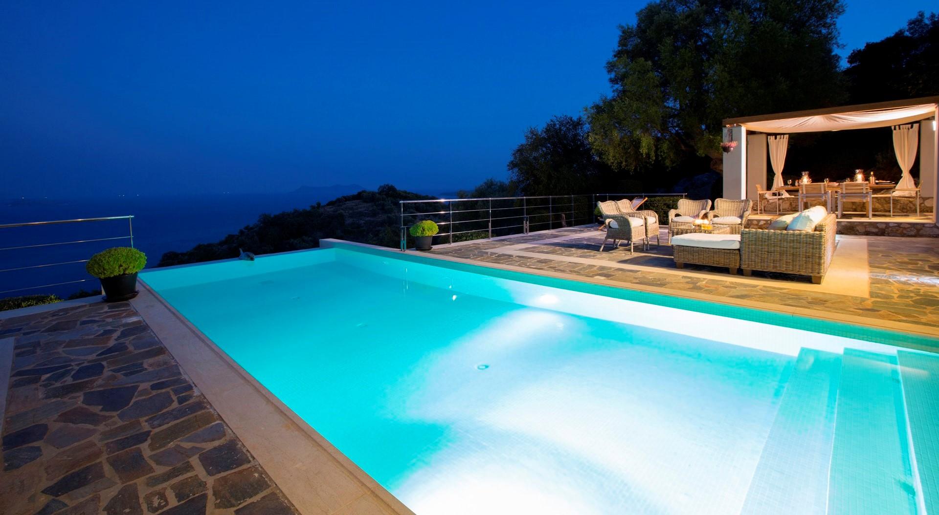 atokos-house-lefkada-pool-at-night