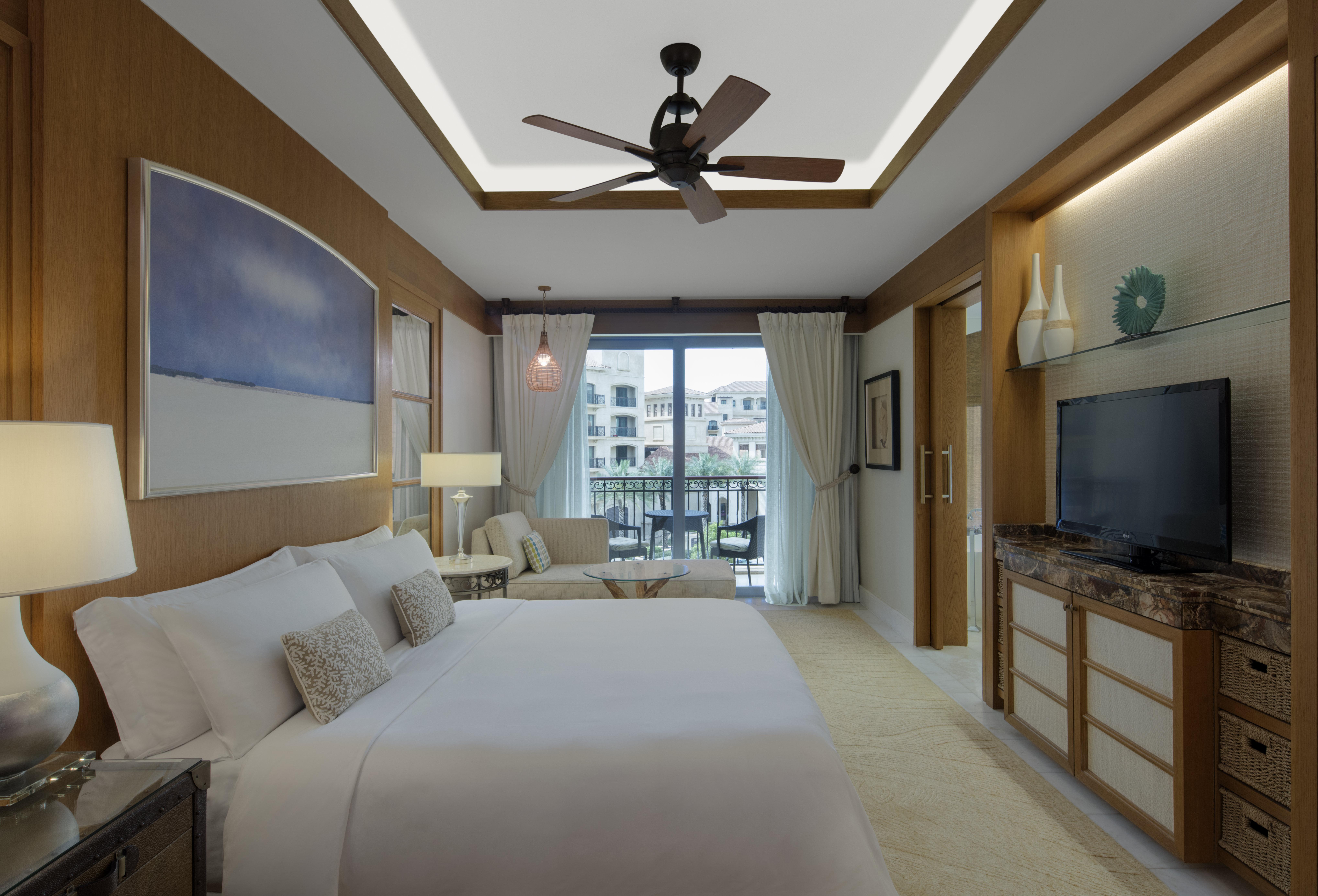 st-regis-saadiyat-island-family-room