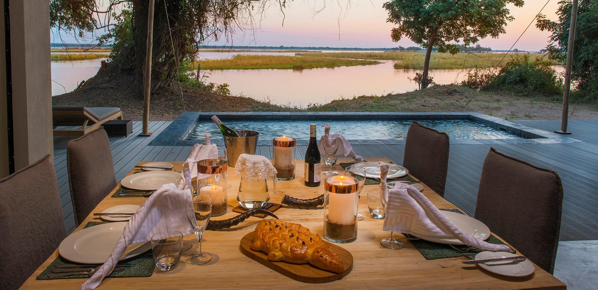 dining-with-zambezi-river-view