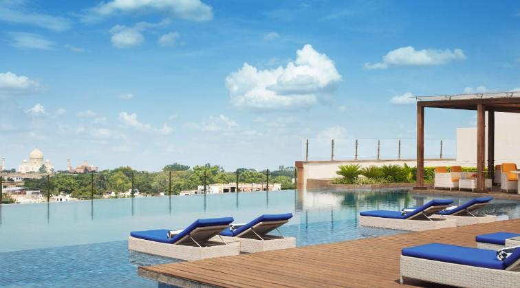 taj-hotel-agra-pool