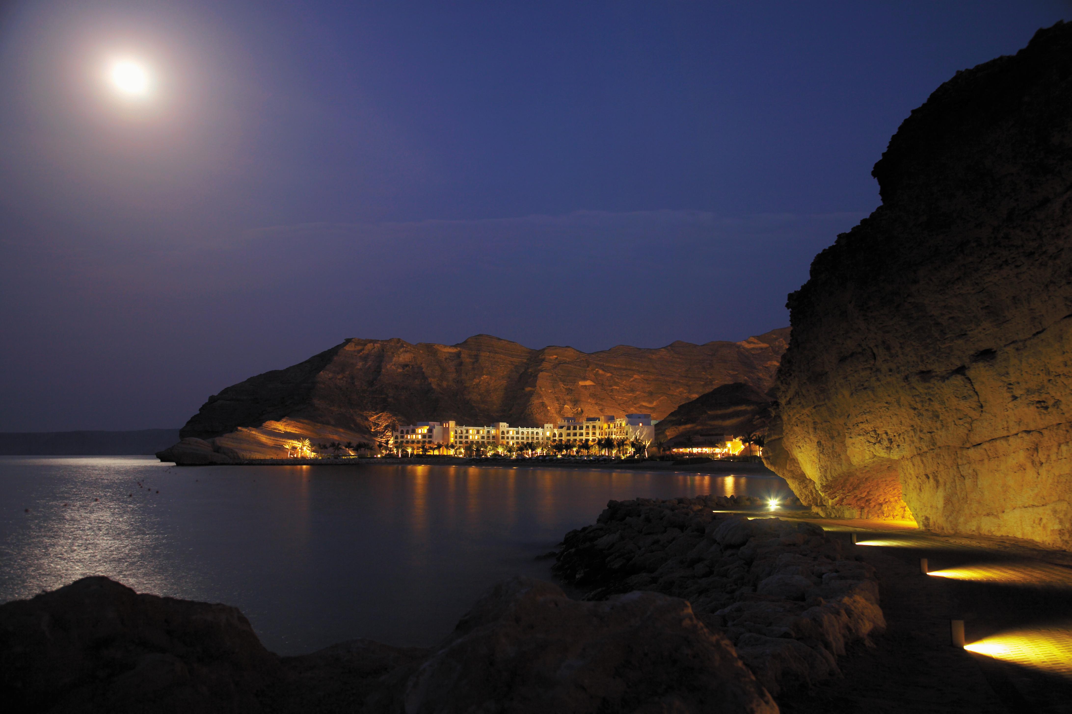 luxury-family-beach-resort-oman