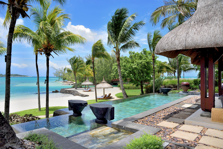 beach-villa-terrace-le-touessrok