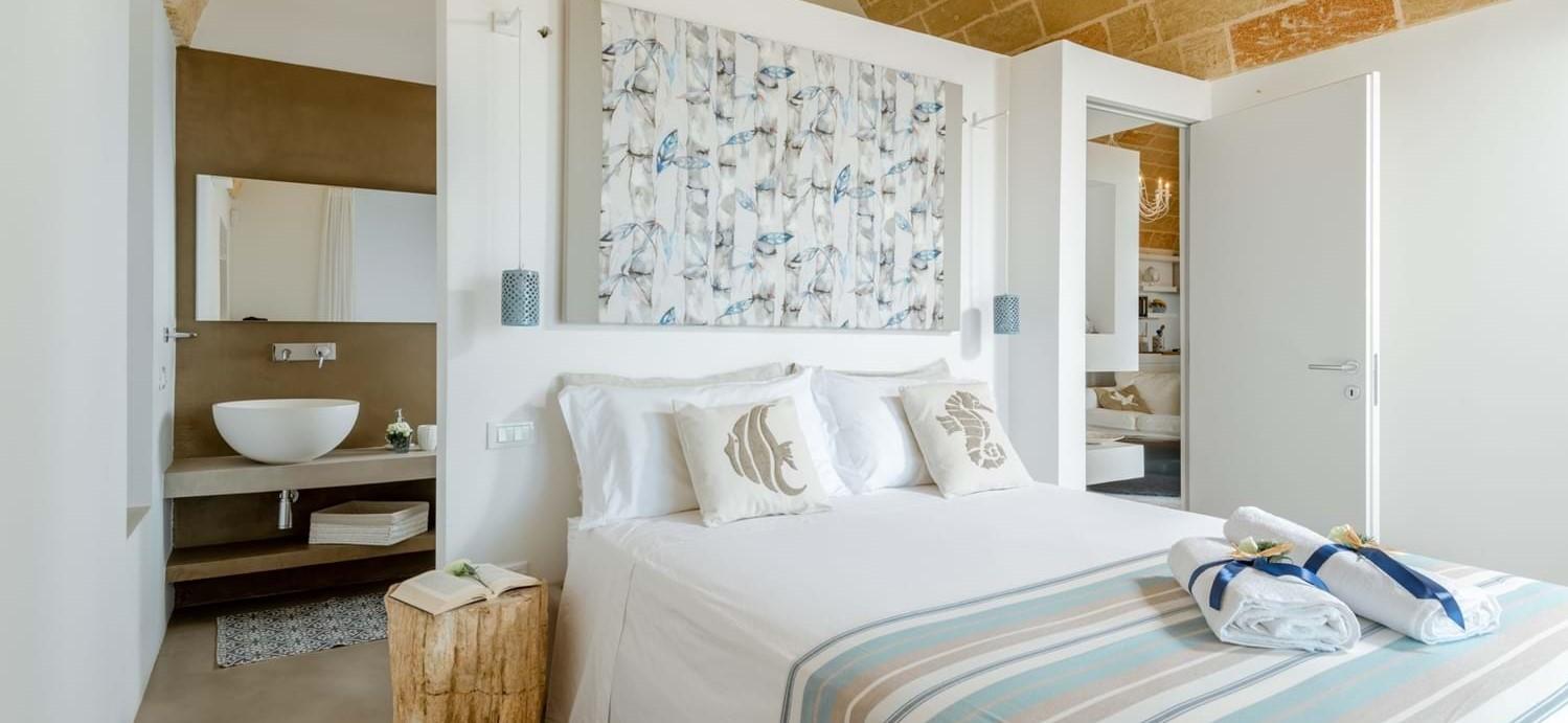 villa-la-pupazza-double-bedroom-ensuite.