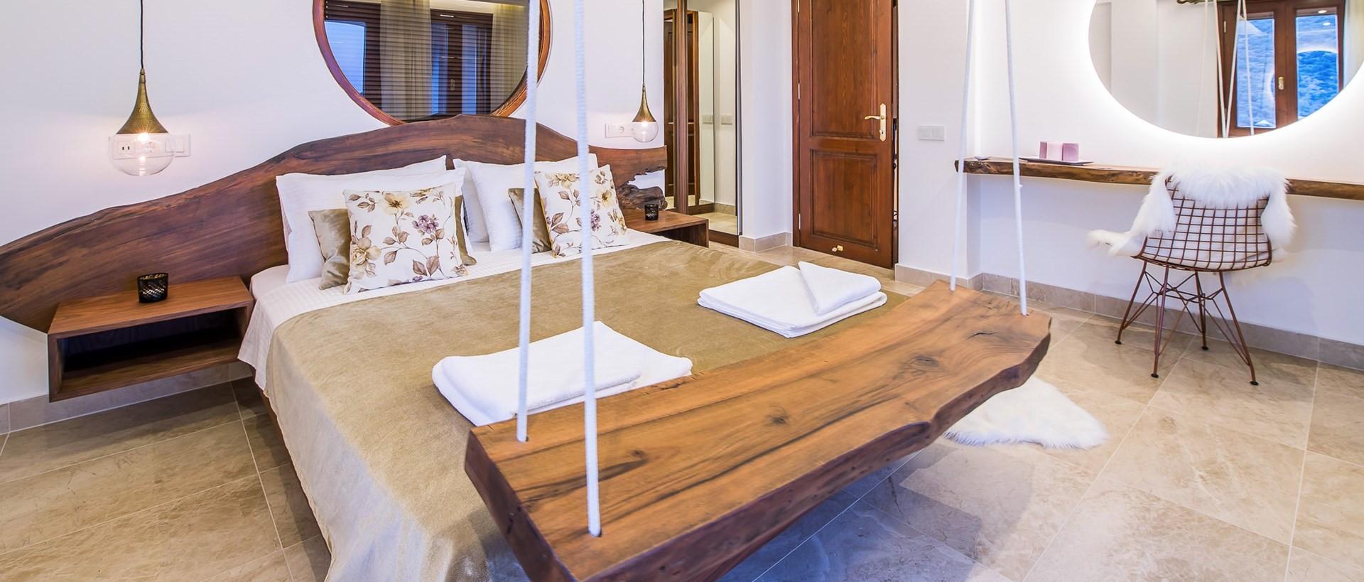 villa-caria-kalkan-double-bedroom-2