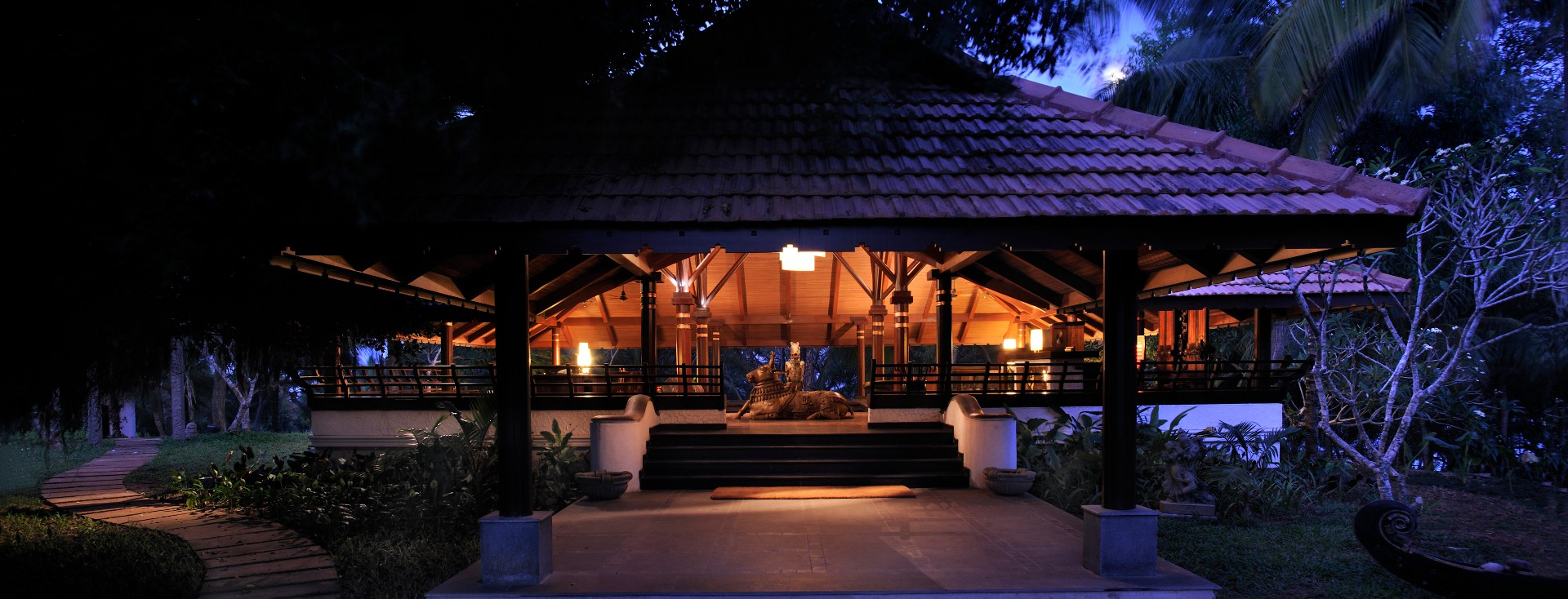luxury-ayurveda-wellness-retreat
