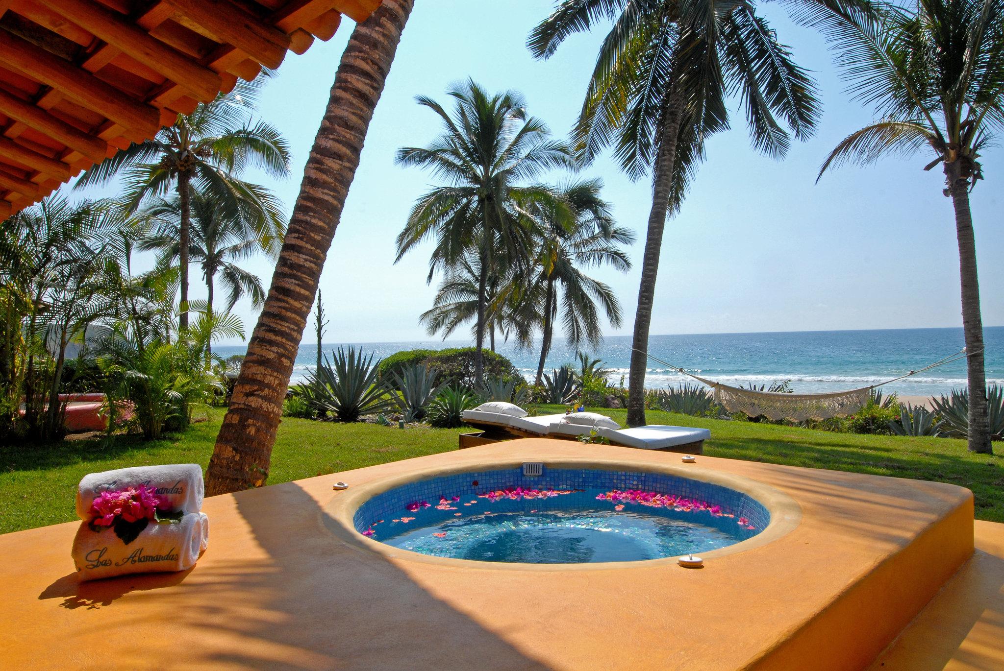 beach-suite-las-alamandas-hotel