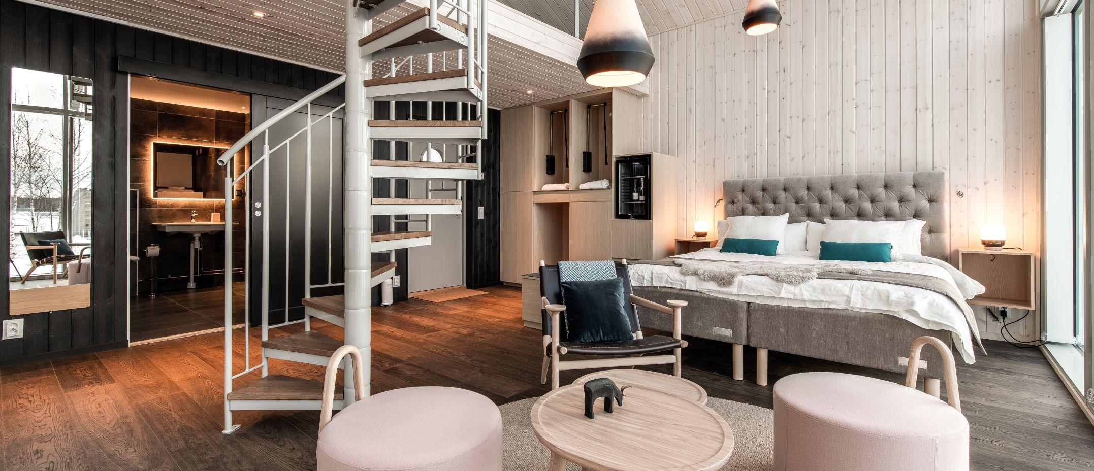 arctic-bath-hotel-land-cabin-bedroom