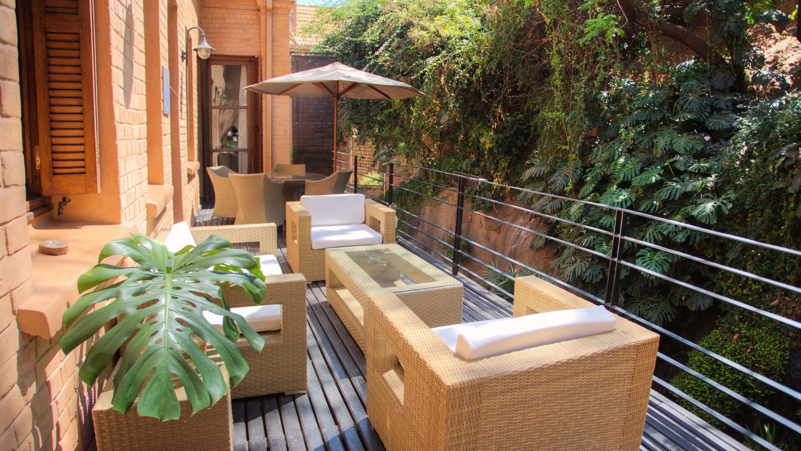Maison-Gallieni-Madagascar-terrace