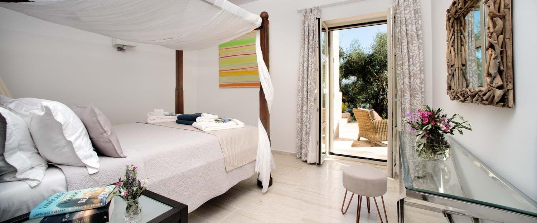 peristera-house-corfu-double-bedroom-3