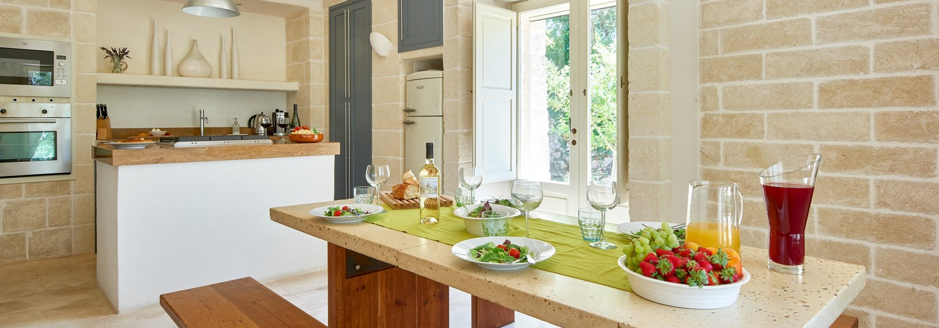 la-moresca-puglia-villa-kitchen