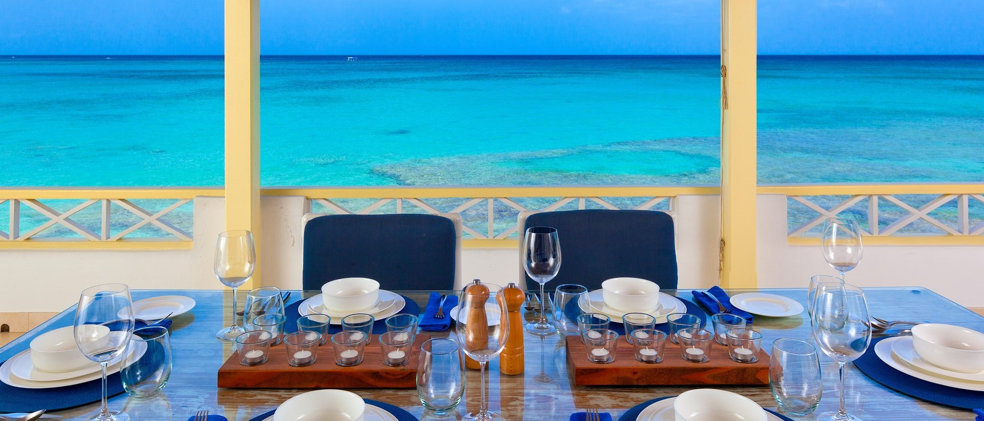 easy-reach-villa-dining-deck-barbados