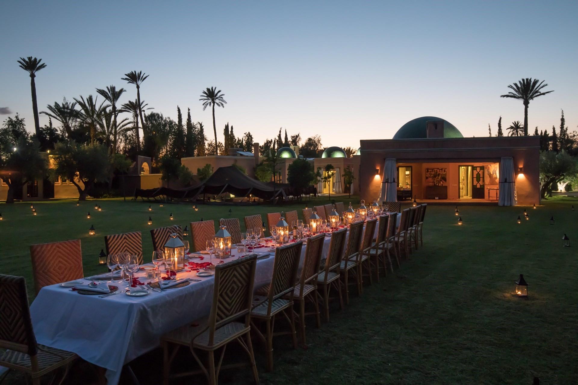 villa-azzaytouna-garden-dinner