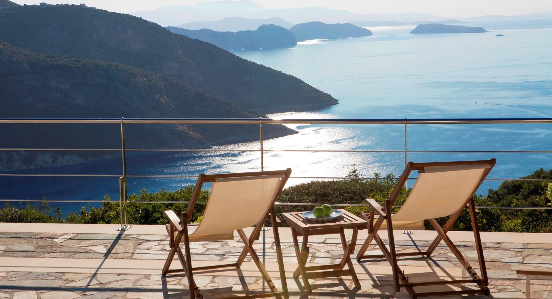 luxury-lefkada-pool-villa-terrace