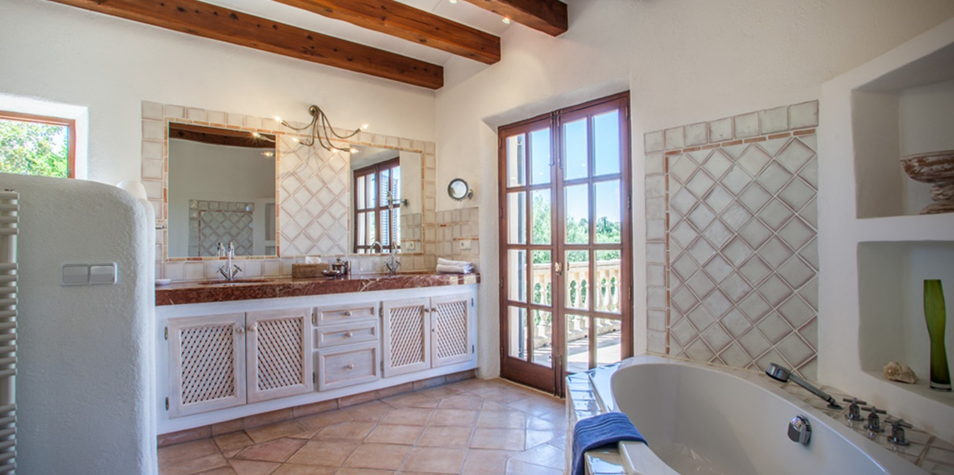 can-tierra-master-bathroom