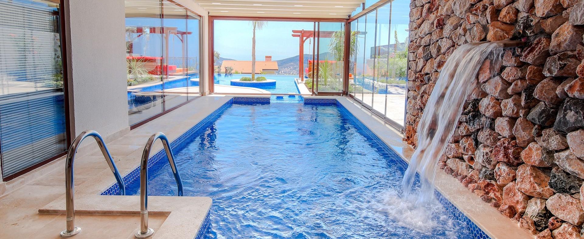 villa-caria-kalkan-indoor-pool