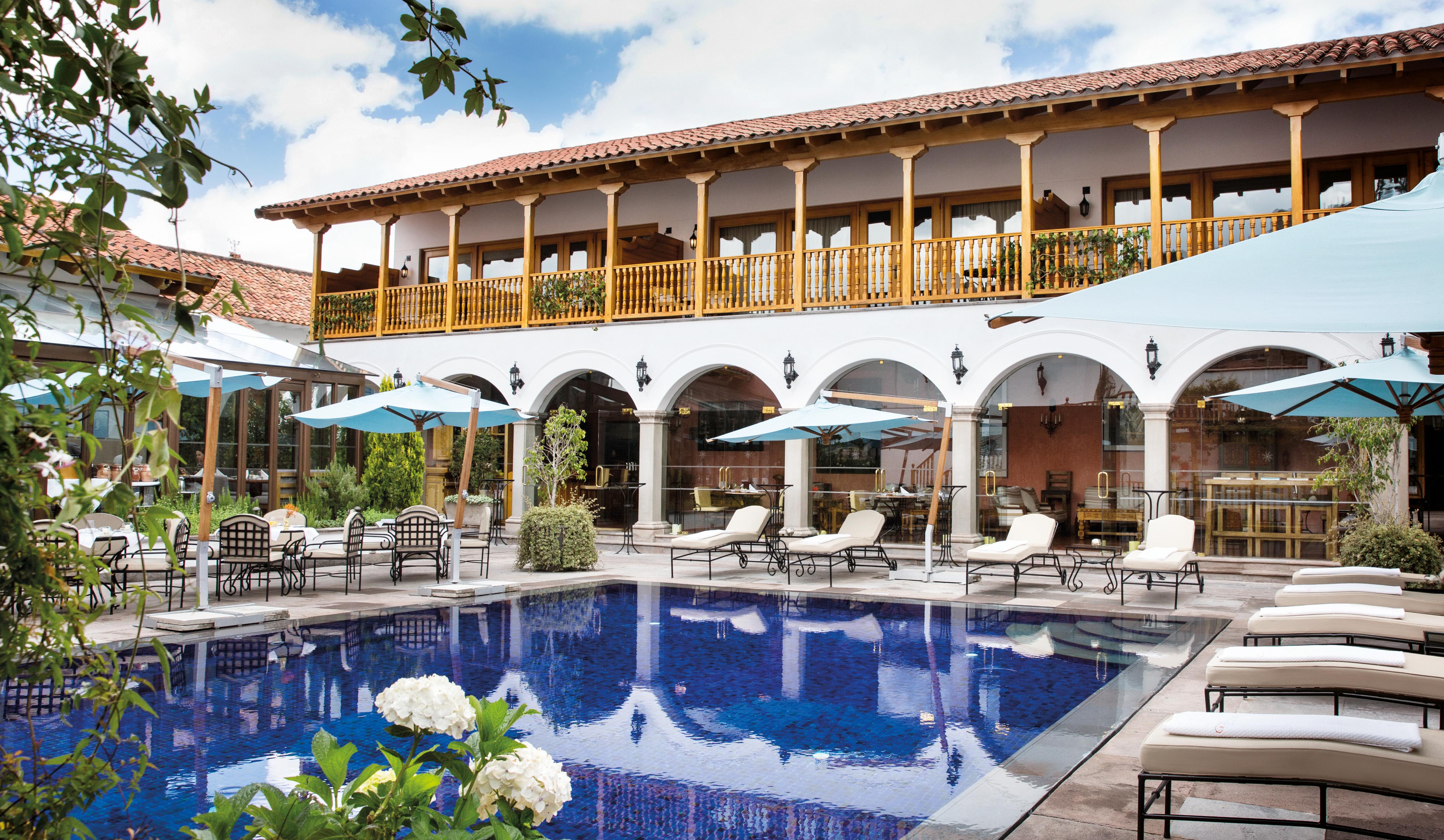 palacio-nazarenas-cuzco-pool
