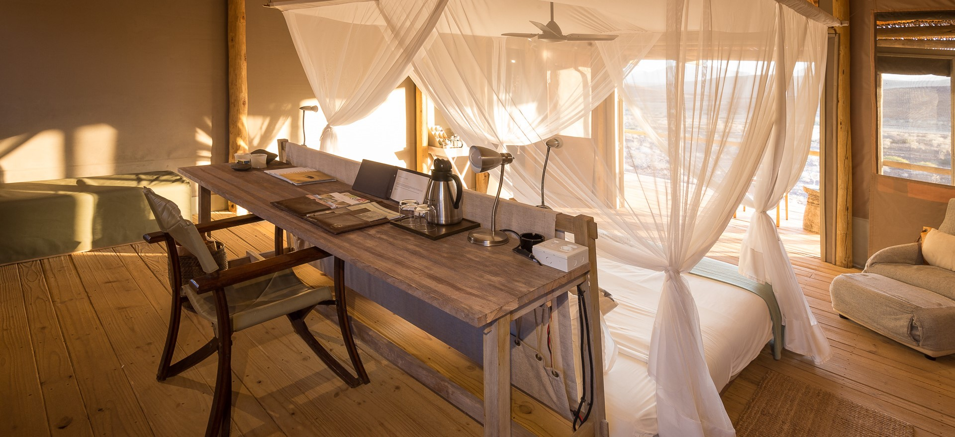 damaraland-camp-four-poster-bed
