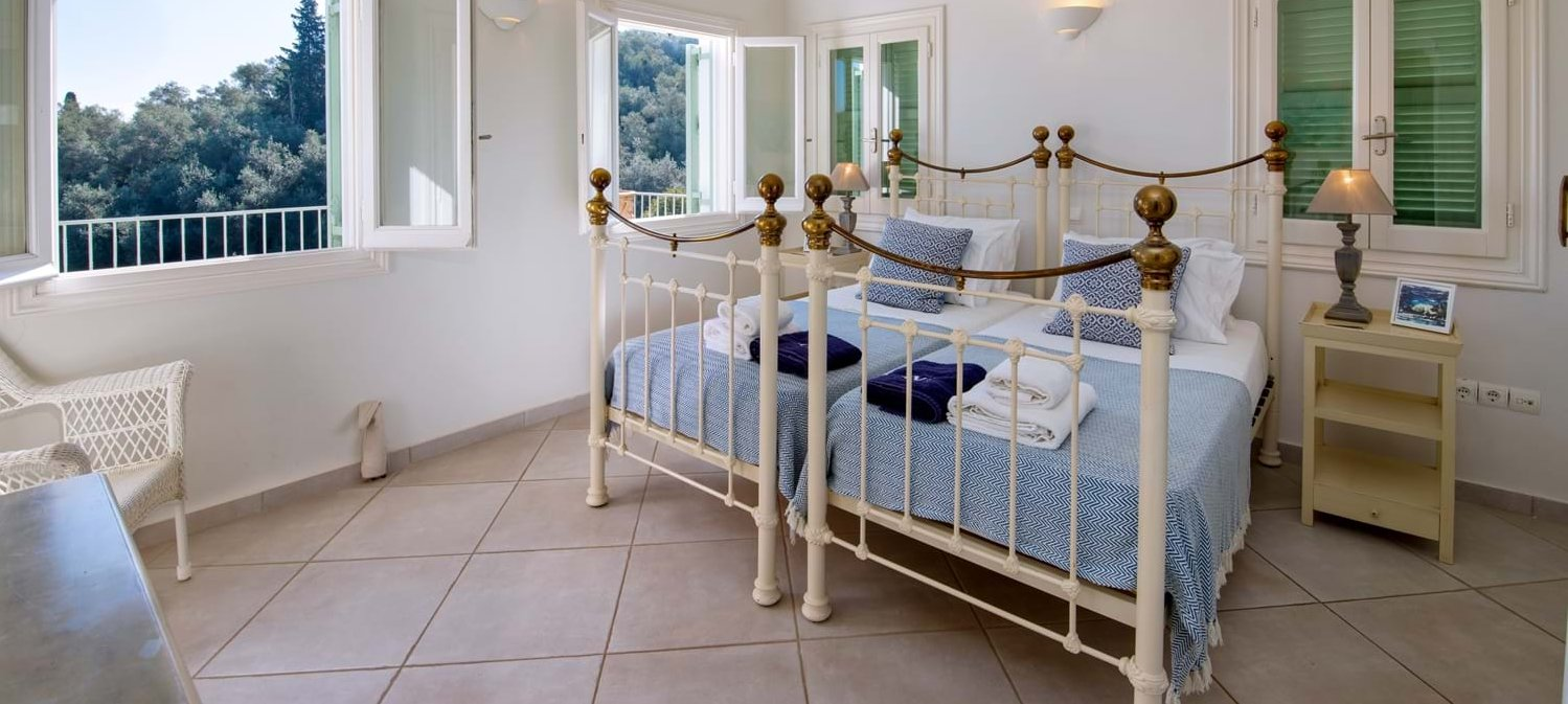 villa-angeliki-corfu-twin-bedroom-2