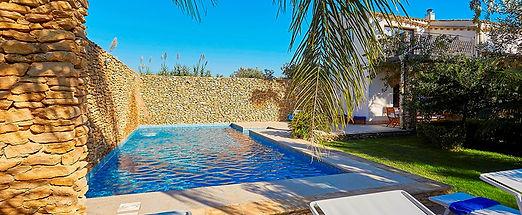 villa-selinunte-sicily-swimming-pool.jpg