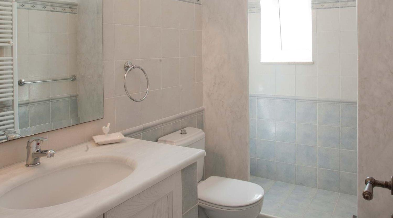 villa-trelli-rodia-ensuite-2