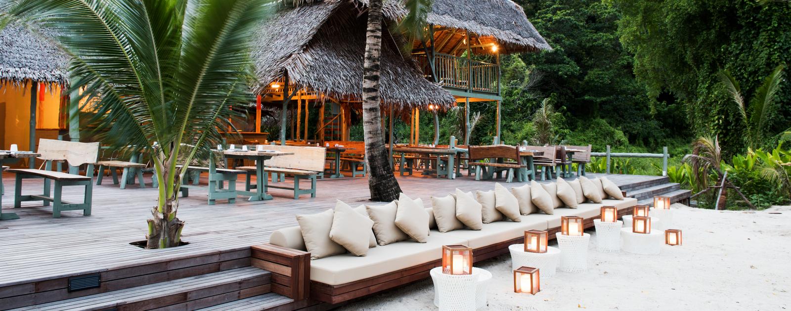 como-point-yamu-beachclub-restaurant
