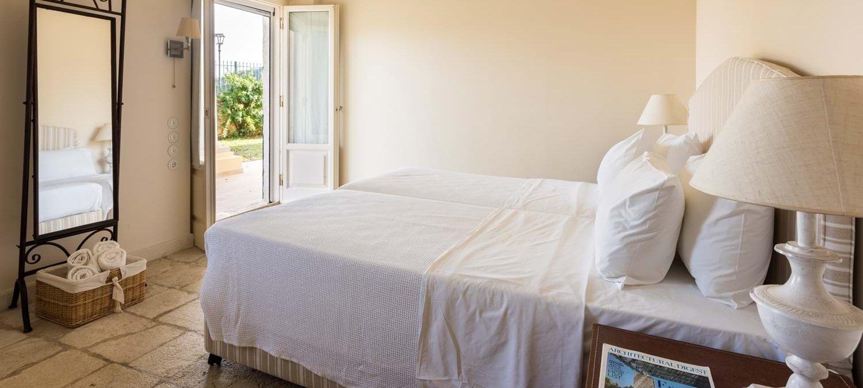 villa-archontiko-double-bedroom-6