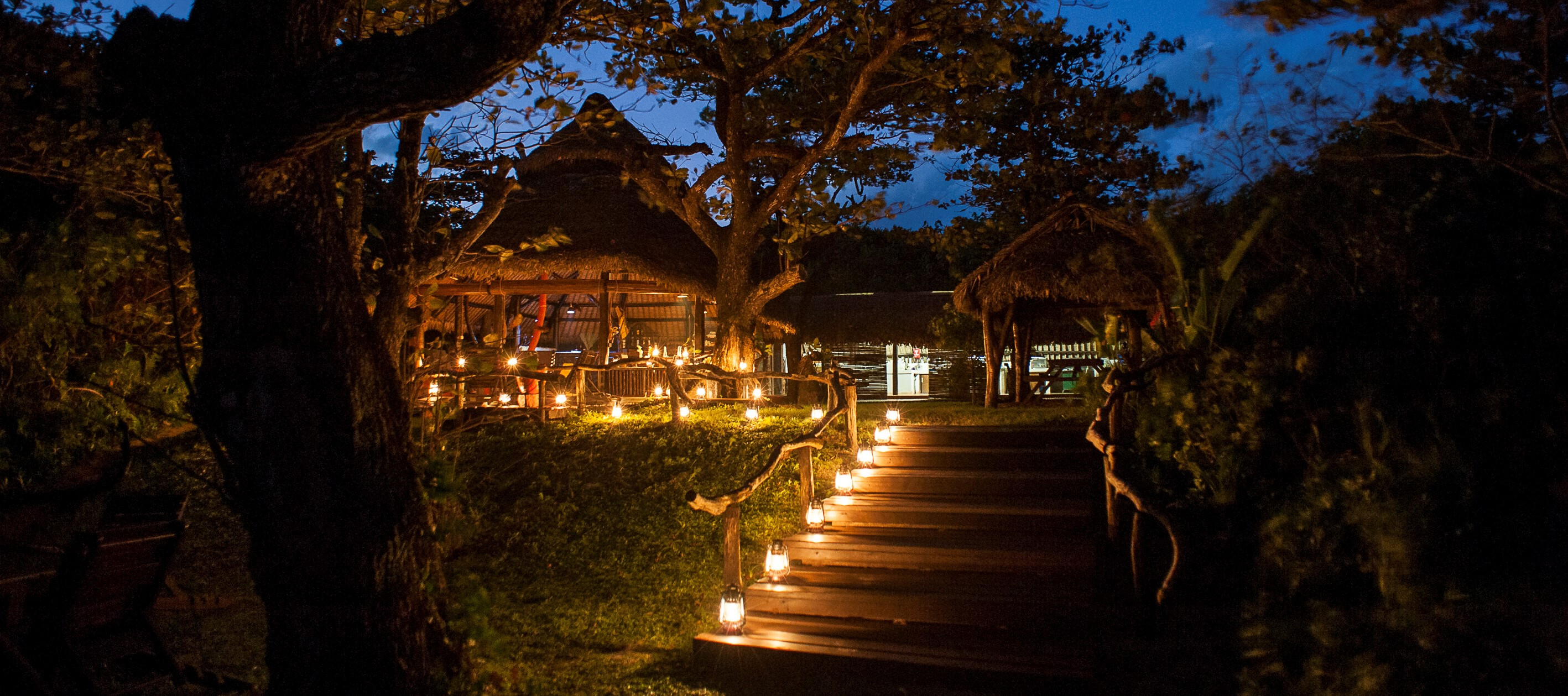Lodge_Manafiafy_Night