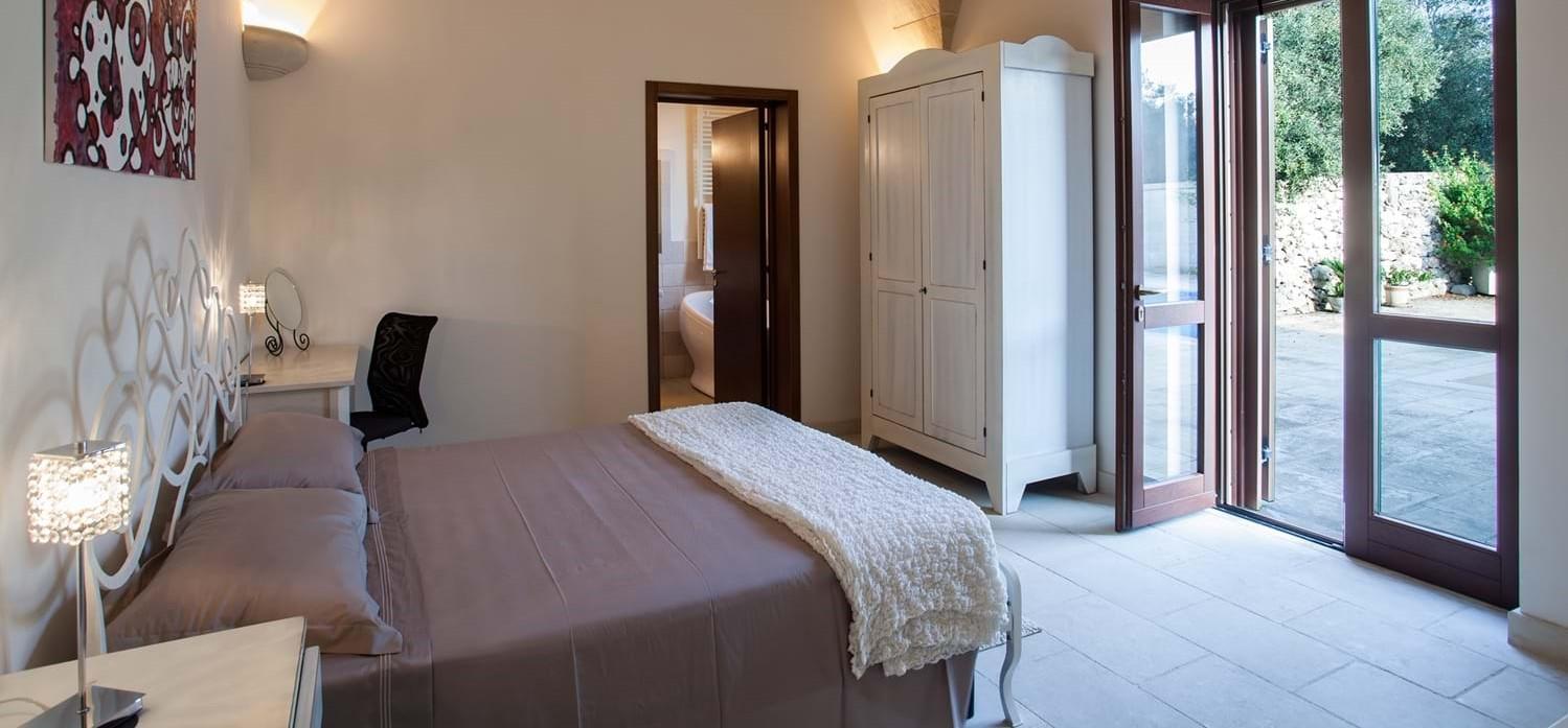 masseria-violetta-bedroom-1