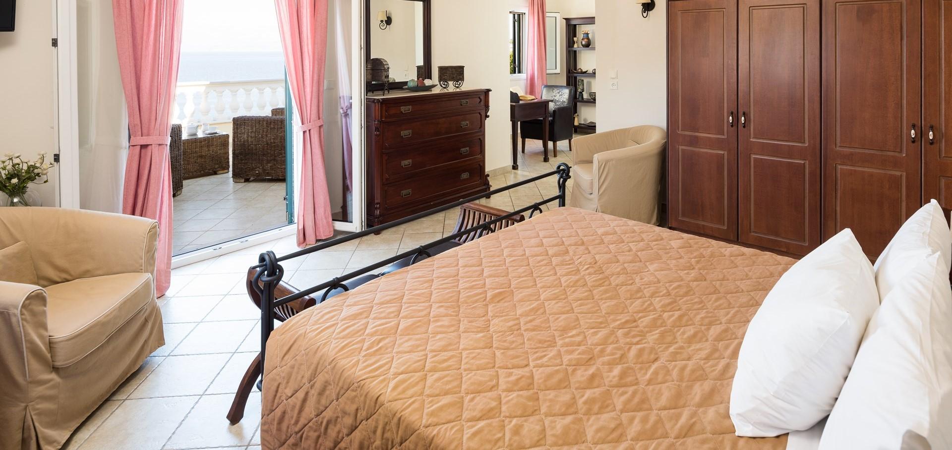 villa-aktea-double-bedroom-1