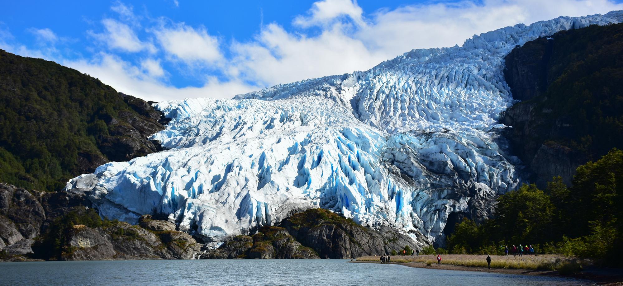 aguila-glacier-patagonia