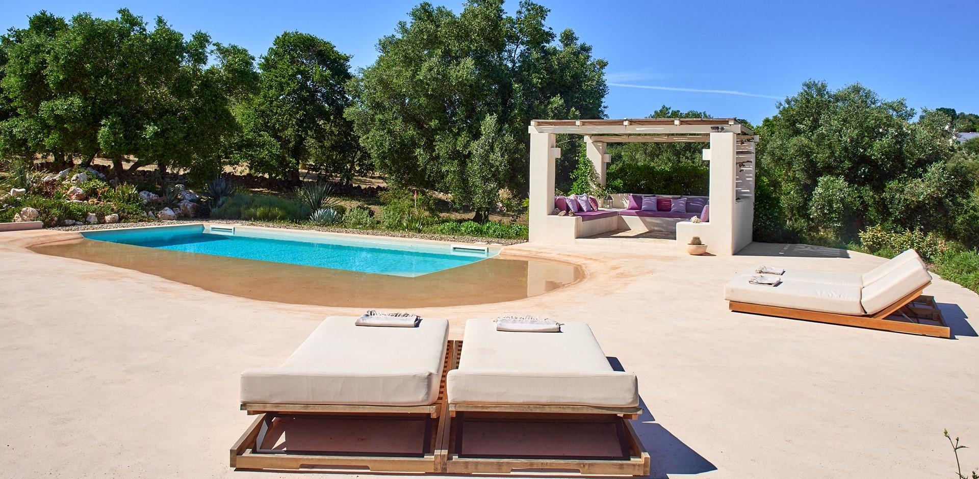 villa-verbena-puglia-pool-terrace