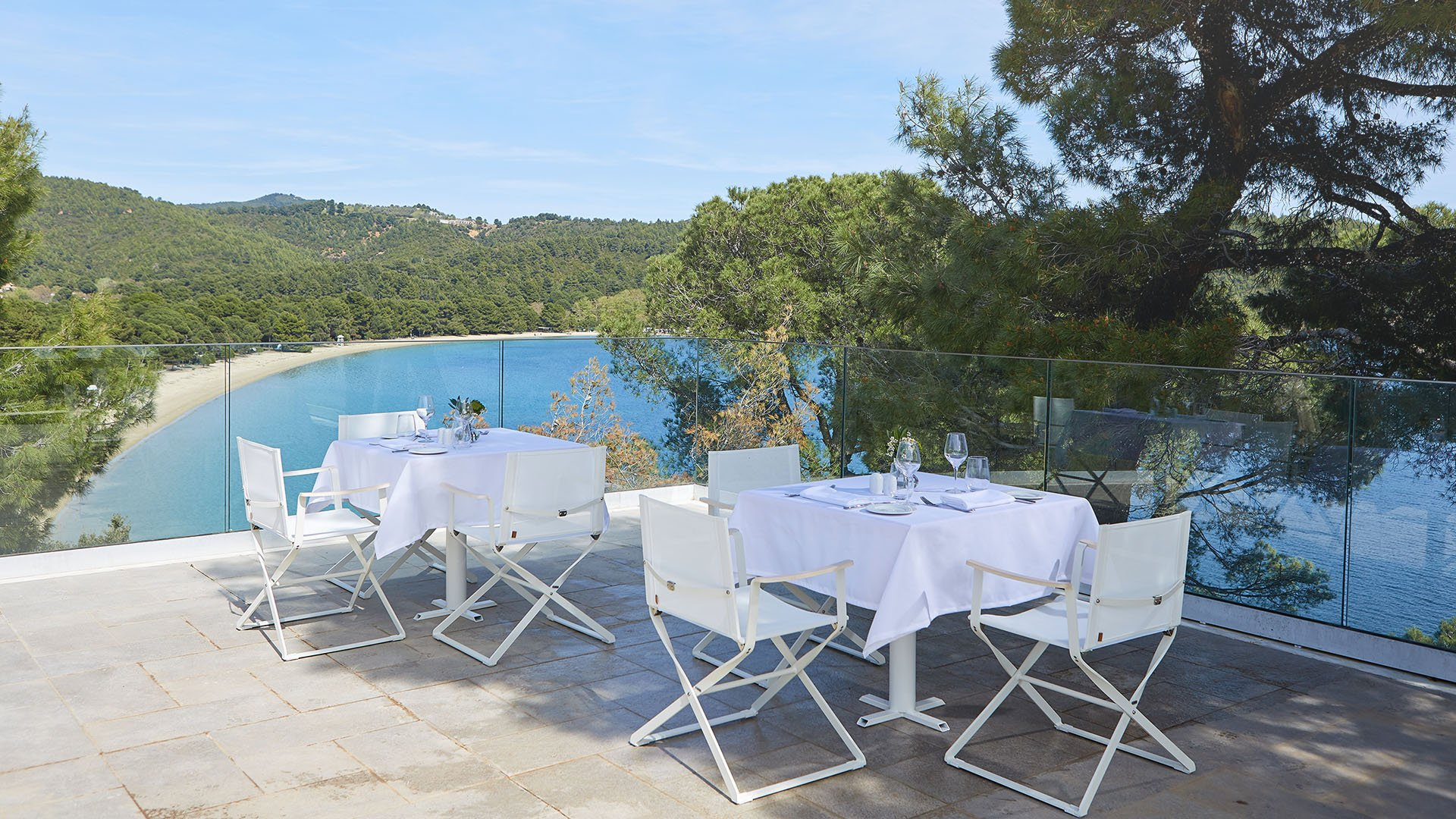 elivi-boutique-hotel-dining-terrace