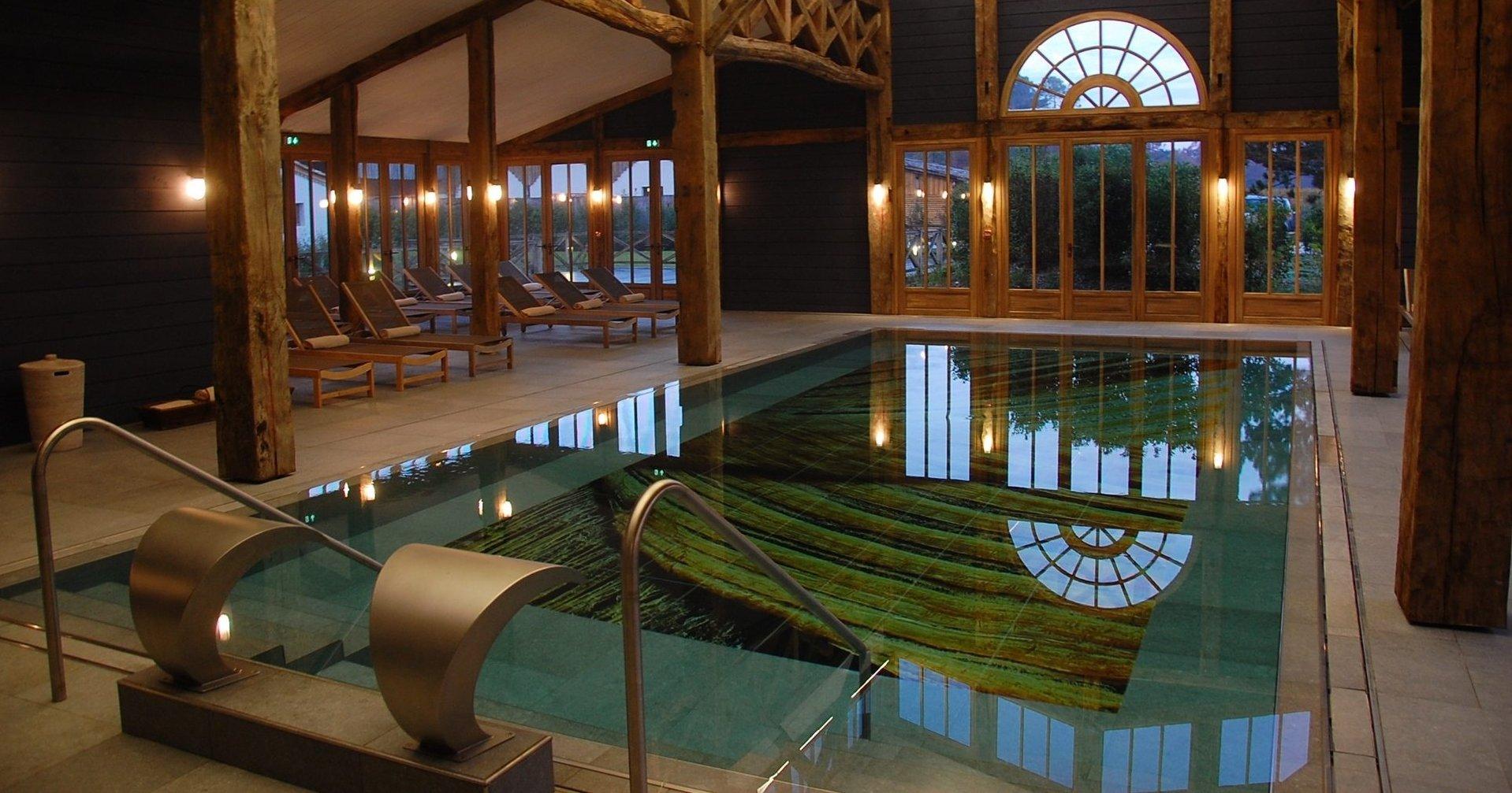 Les-Sources-de-caudalie-spa-pool