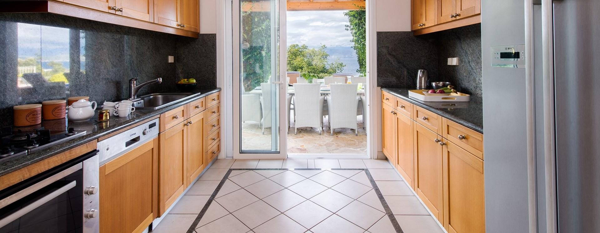 villa-vinita-kitchen